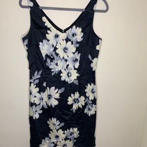 LOFT Dresses - Loft sleeveless dress size 10